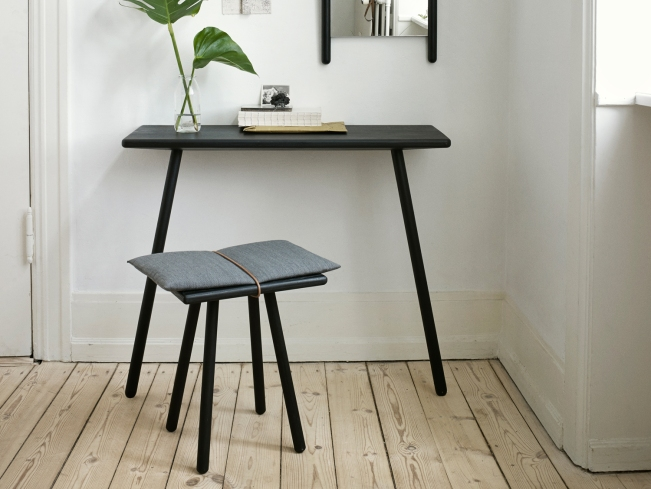 Georg stool 2-1